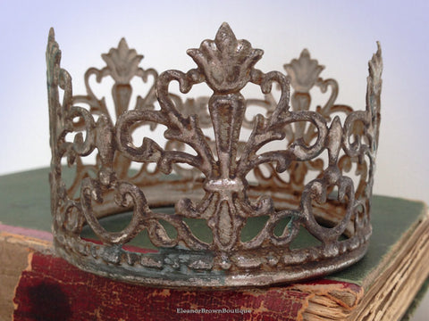 "3 1/8"" Distressed Silver Finish Santos Crown - 'Fleur de Lis'"
