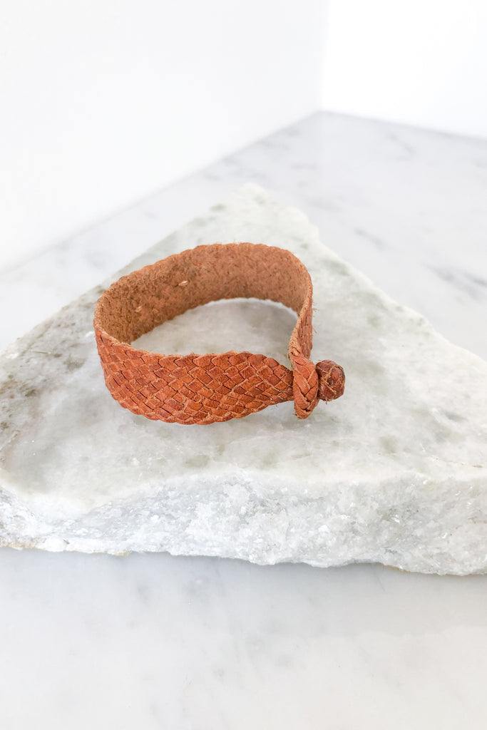 Onyx Barbatia on Tan Leather Bracelet
