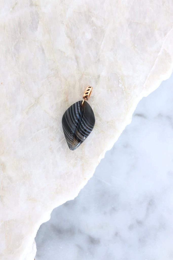 Classic Carved Cowry Shark Fin Enameling Charm, Line Agate