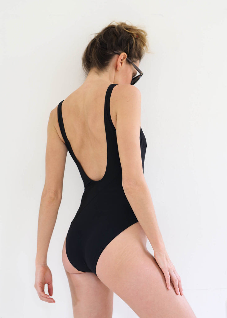 Harley One Piece, Black