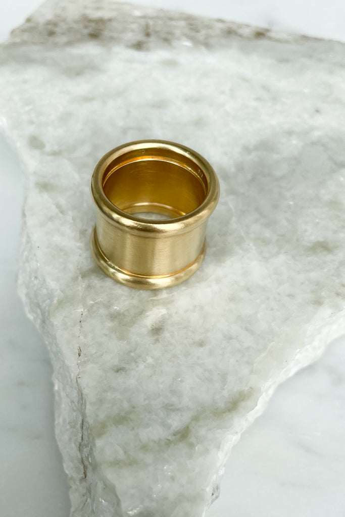 Round Rails Wide Band Ring, 18k