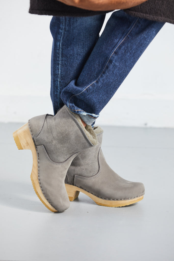 "5"" Pull on Shearling Boot in Mid Heel"