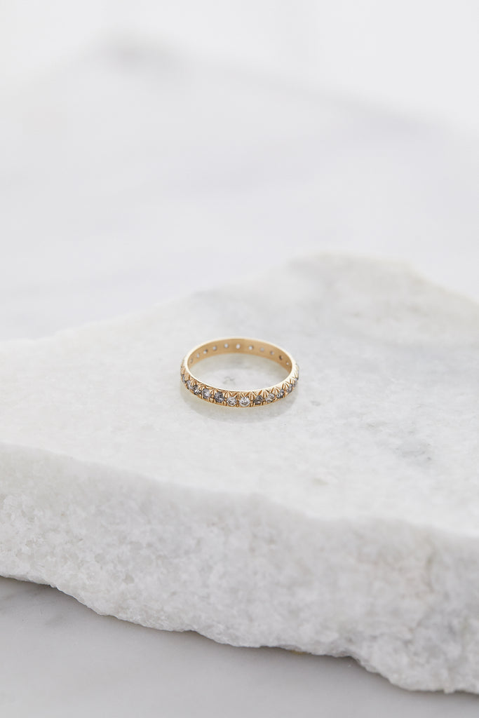 Attelage French Cut Pave Band - Grey Diamond / Yellow Gold