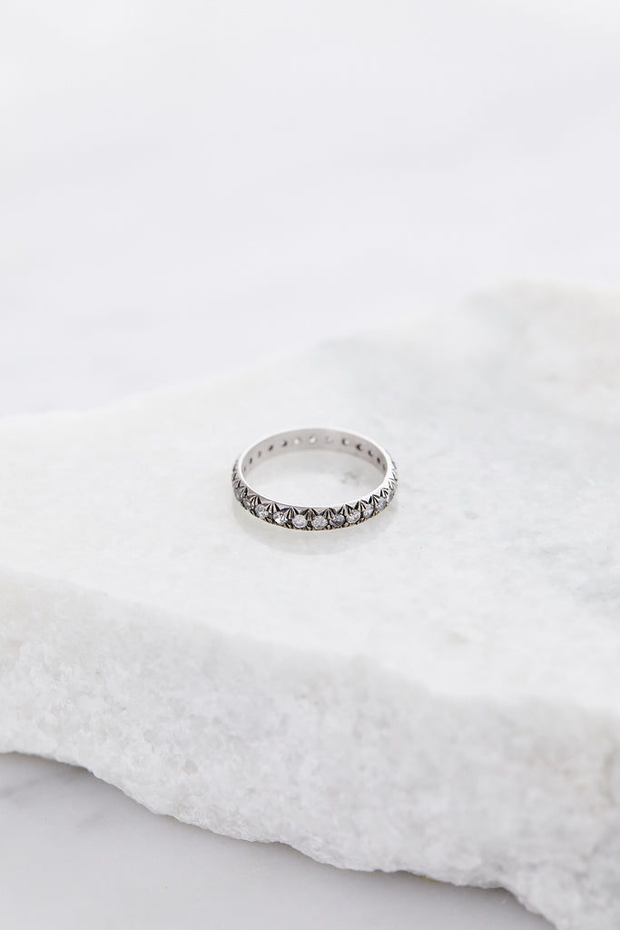 Attelage French Cut Pave Band, Grey Diamond/White Gold, Sz6