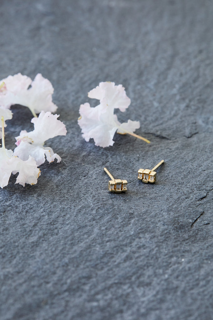 3 Stepped Baguette Diamond Stud, SINGLE