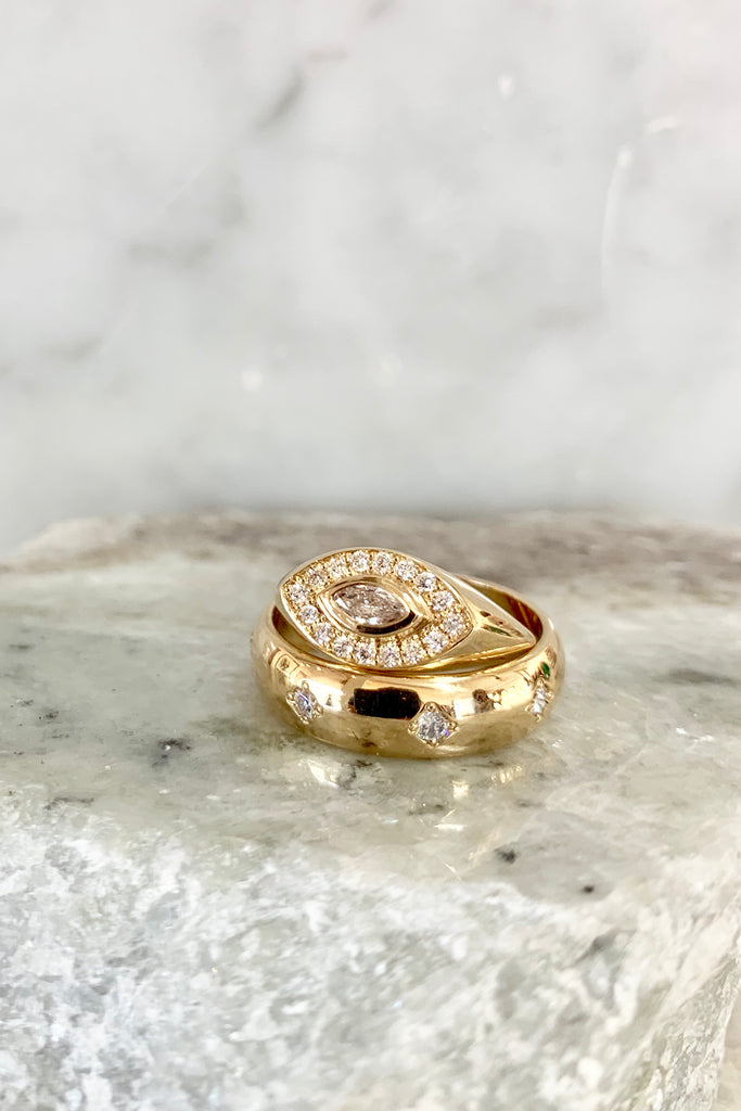 14K GOLD MARQUIS SIGNET DIAMOND RING WITH PAVÉ DIAMONDS, SZ 4