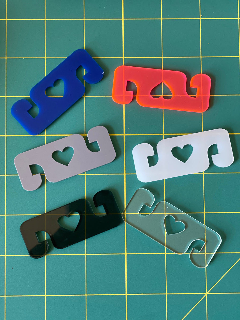 Mask clips/Ear protectors