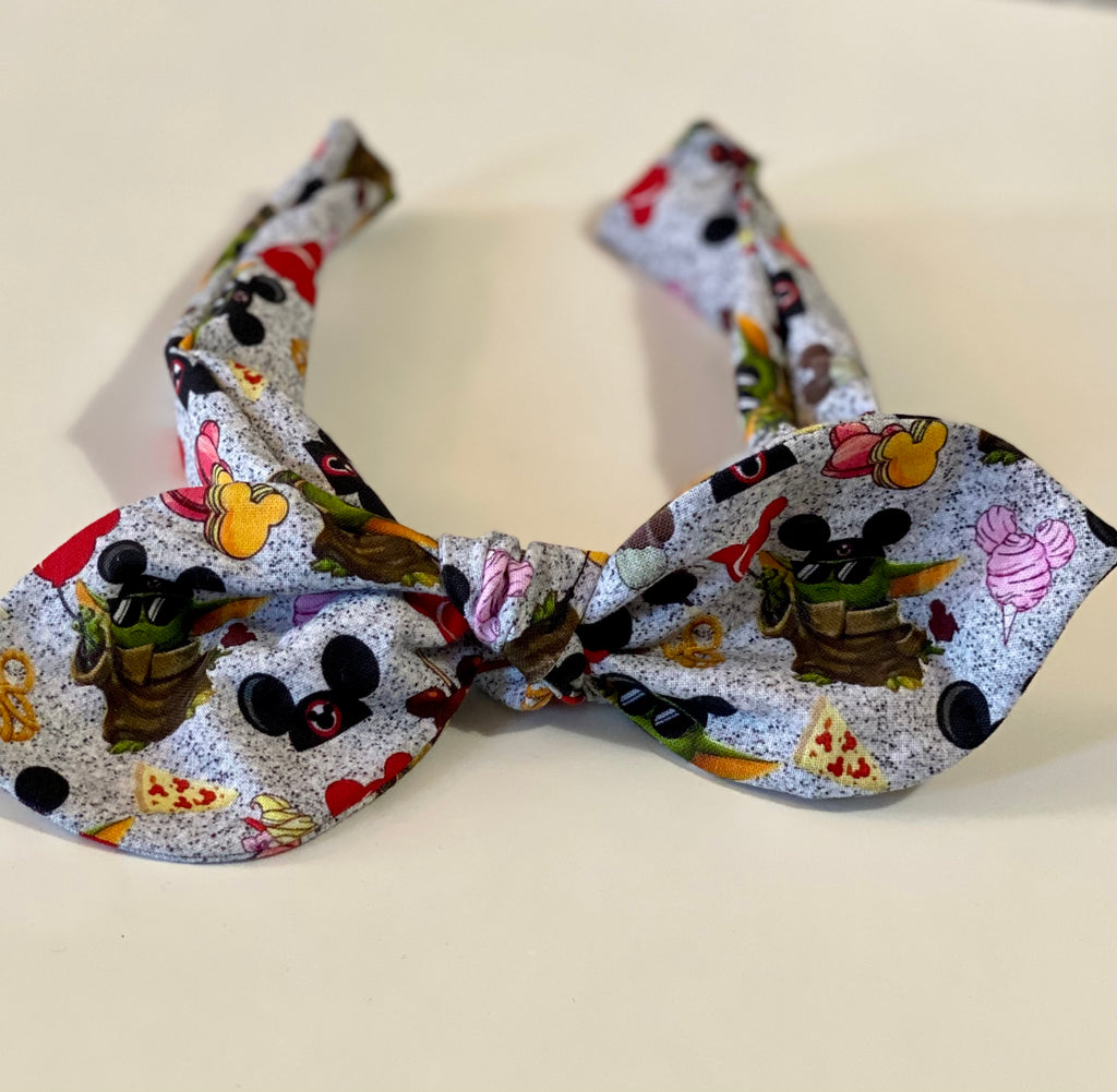 The child at Disney knotted headband