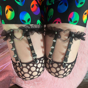Ruffle Spiked Heart Ring Leg Garters - Black