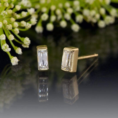 Baguette Moissanite Bar Set Stud Earrings - by Nodeform