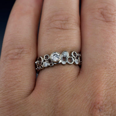 Cluster Bezel Round Moissanite Sparkly Engagement Ring - by Nodeform