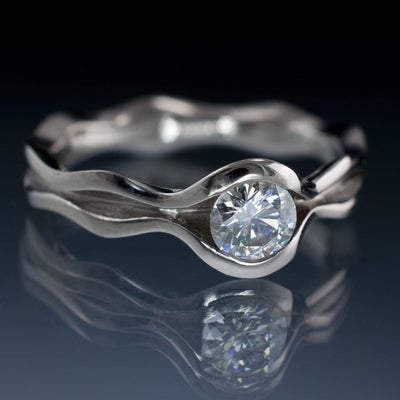 Wave Round Brilliant Moissanite Wedding or Engagement Ring - by Nodeform