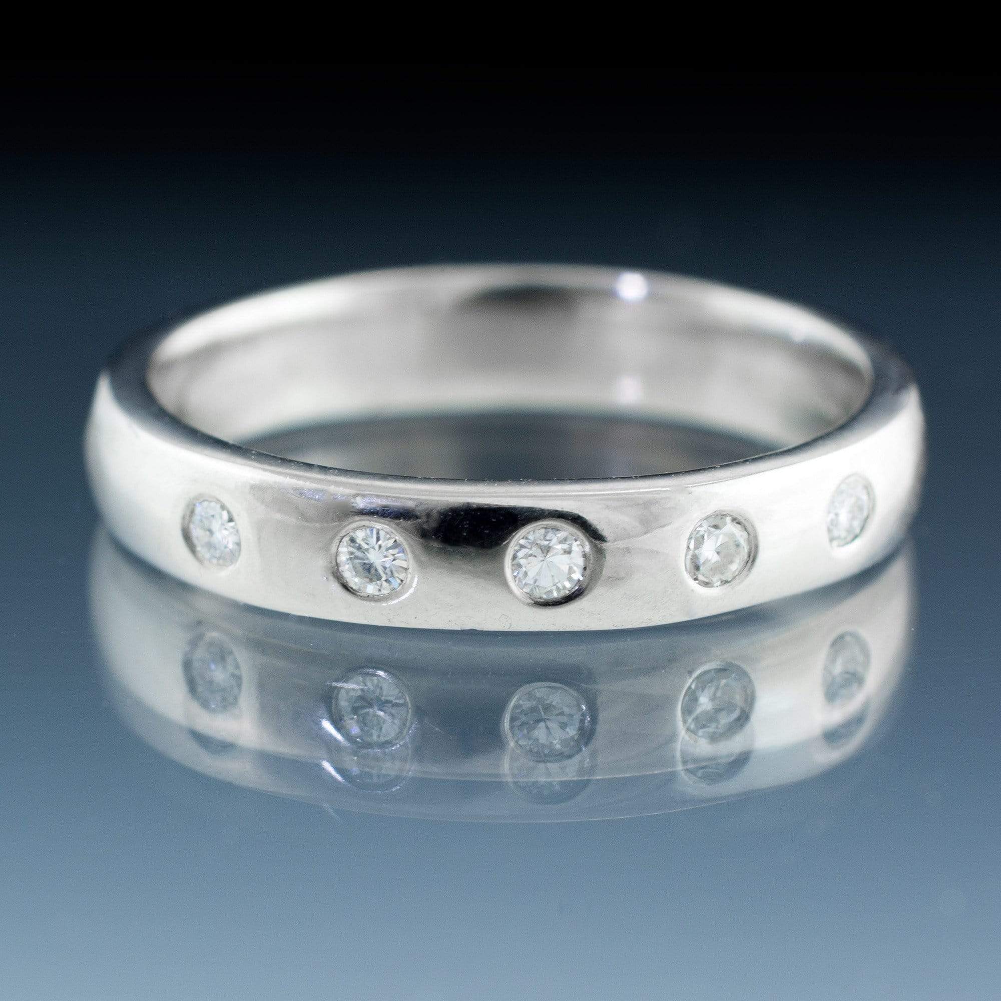 Narrow 5 Moissanite Wedding Ring - by Nodeform