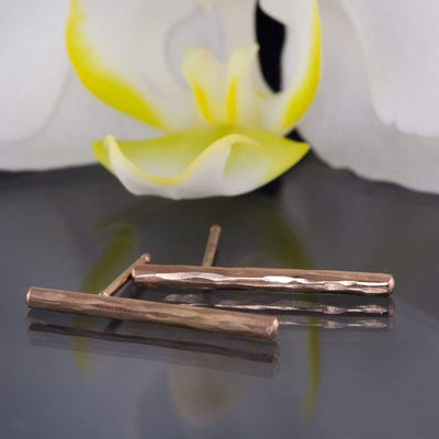 Hammered Bar Studs Earrings - by Nodeform