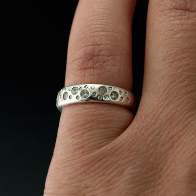 Moissanite Star Dust Wedding Ring - by Nodeform