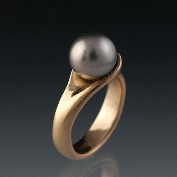 Modern Tahitian Black Pearl Gold Engagement Ring - by Nodeform