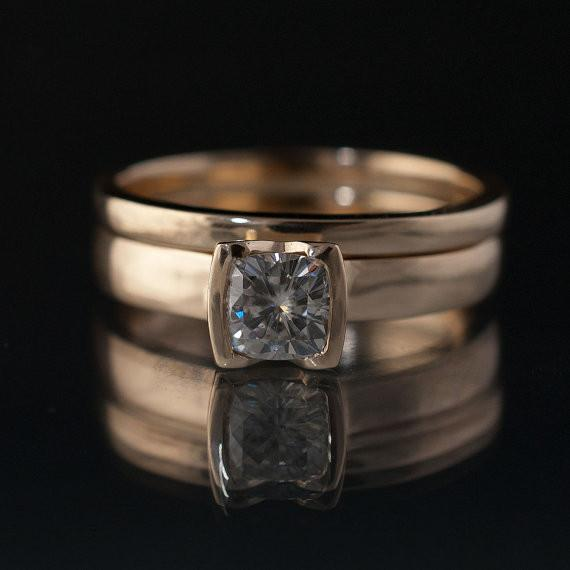 Cushion Moissanite Ring Bridal Set, Solitaire Engagement Ring & Gold Wedding Band - by Nodeform