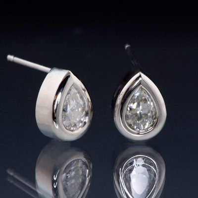 Pear Moissanite Bezel Stud Earrings - by Nodeform