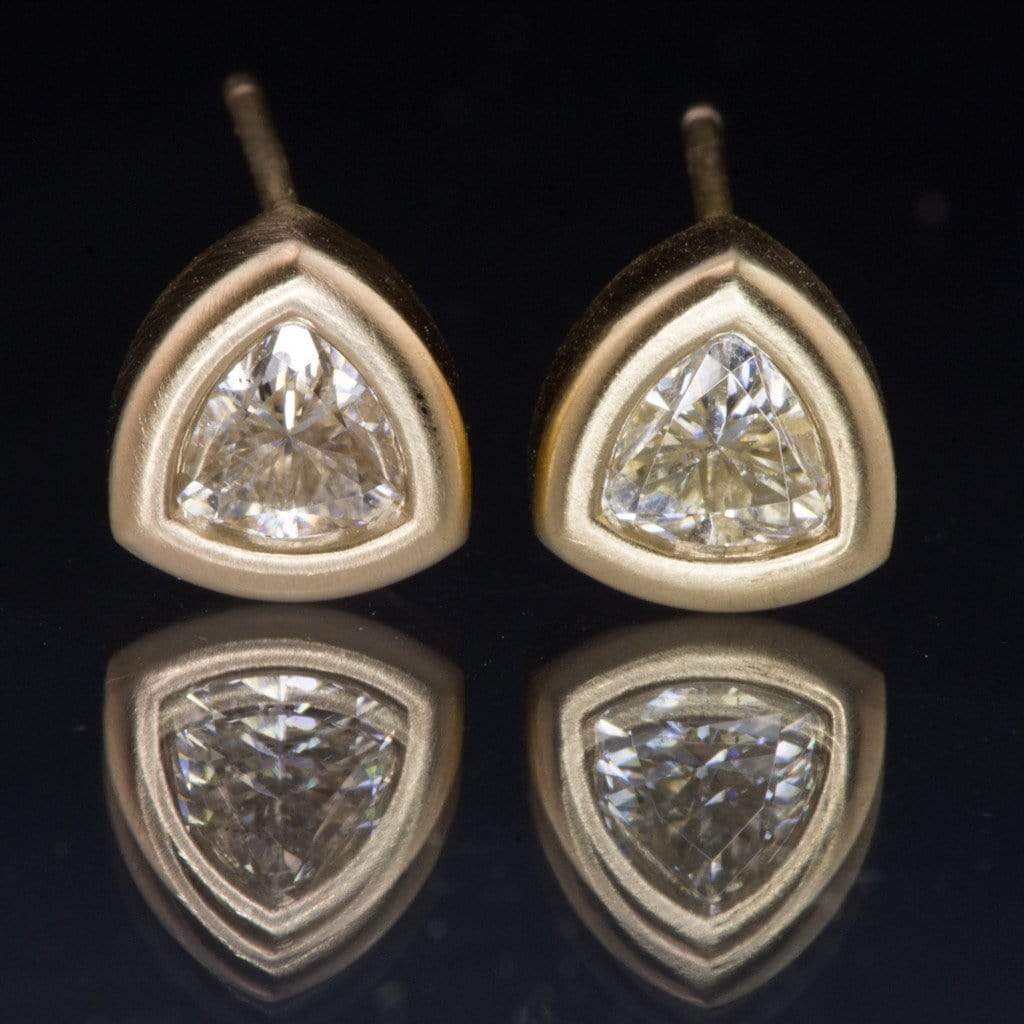 bezel stud yellow set earrings gold unspecified diamond