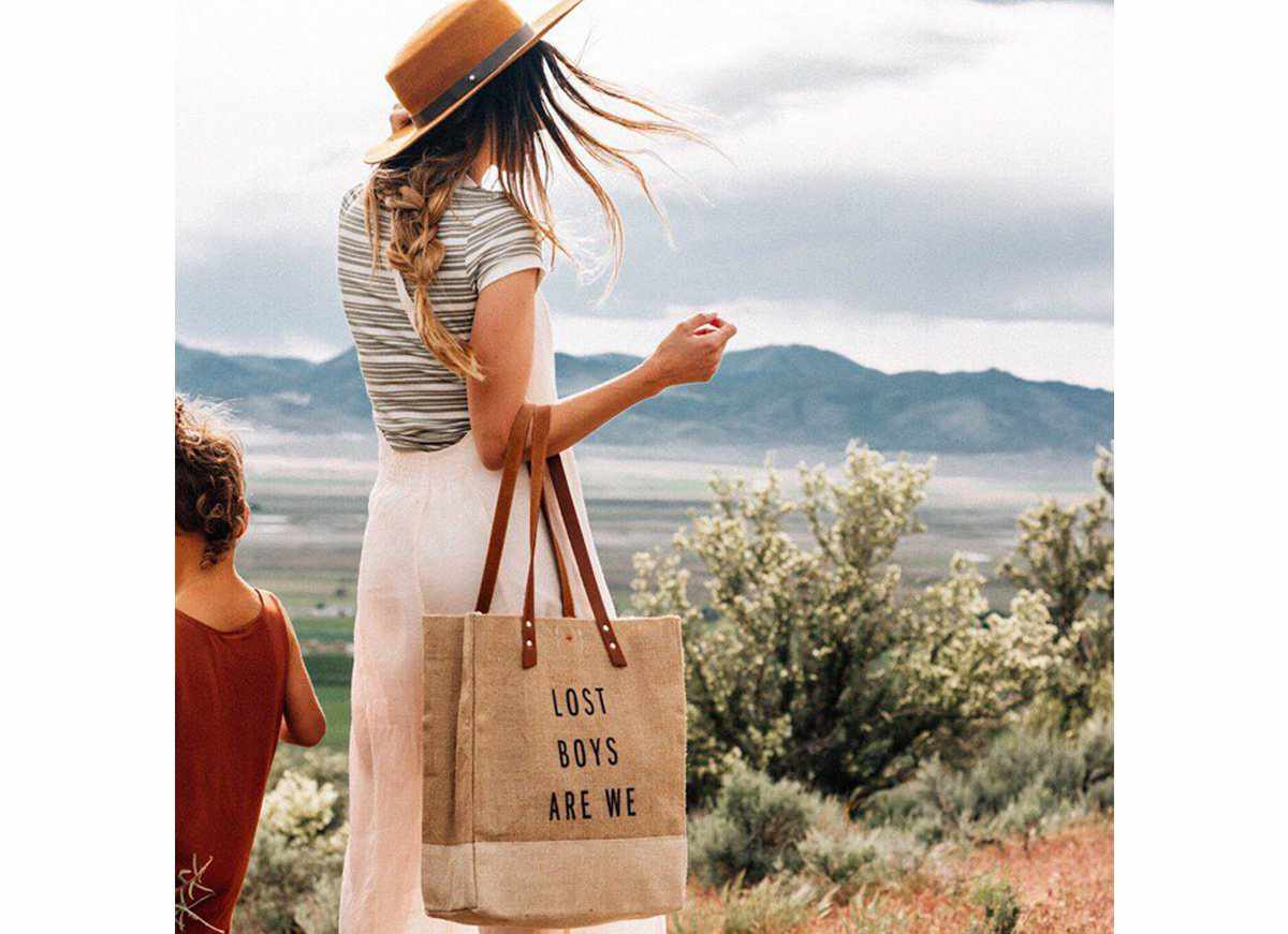 Customize Your Standard Apolis Wine Tote, through Dec. 15 Only