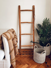 Load image into Gallery viewer, Kubu Ladder Brown - S