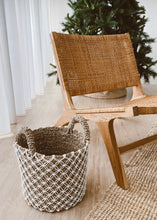 Load image into Gallery viewer, Pulau Wicker Lounge Chair