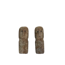 Load image into Gallery viewer, Maun Kik Ida Stone Statue - Set of 2