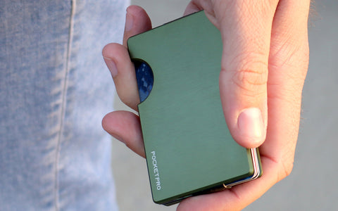 Why You Should Switch To A Minimalist RFID-blocking Wallet