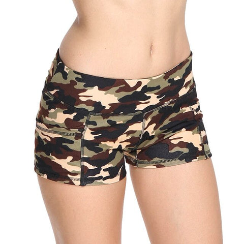 Camo Xtreme-FIT Booty Short Beige