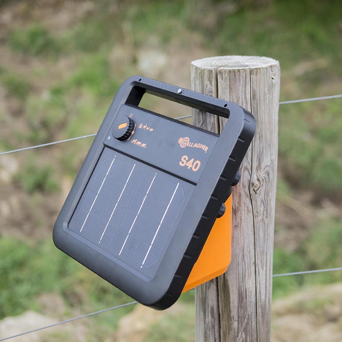 S40 Solar Fence Energiser incl. battery