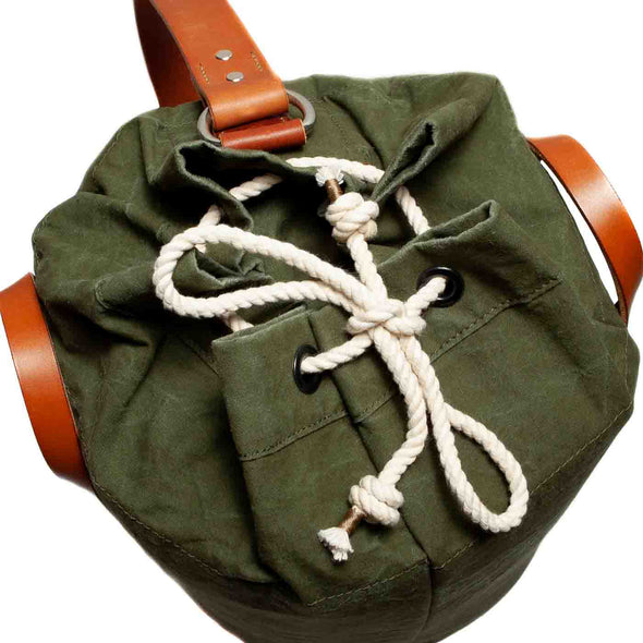 rope closure on vintage stand up duffel