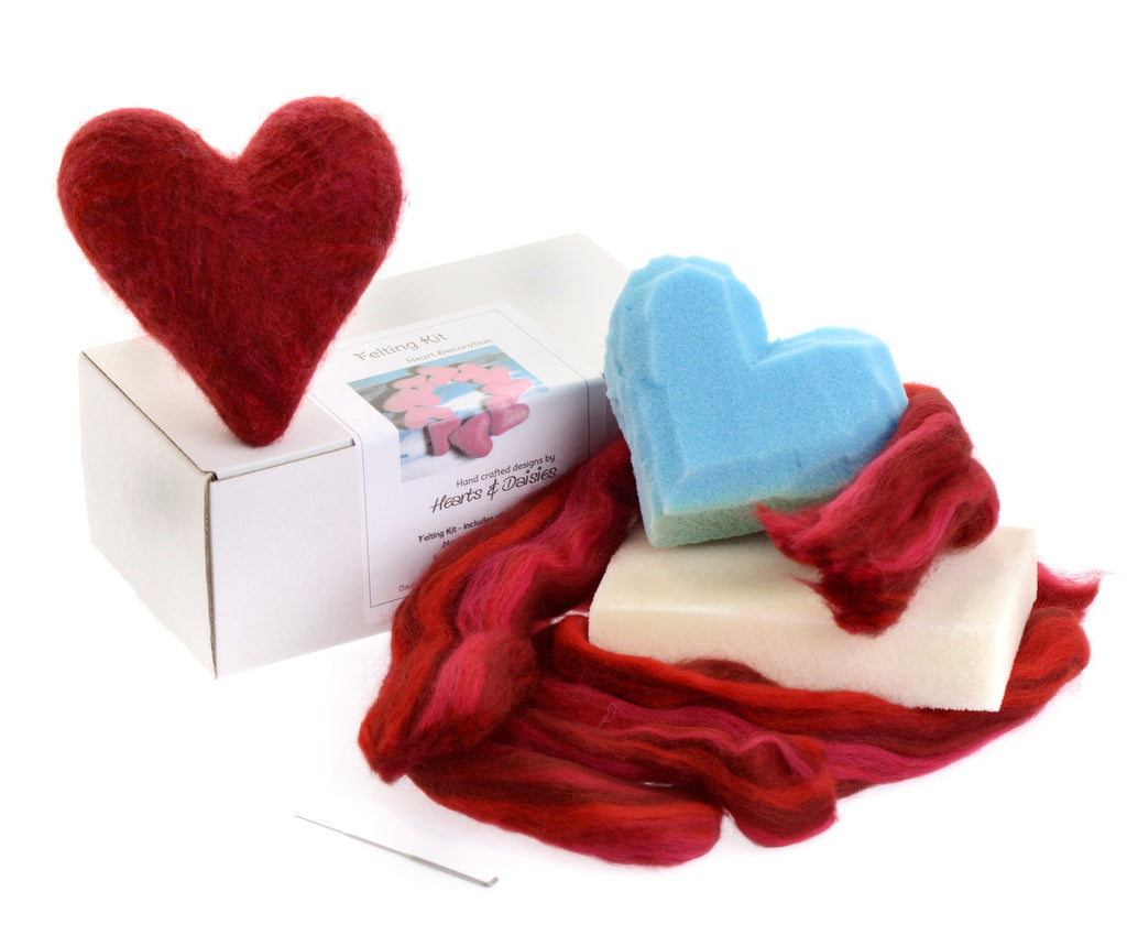 Needle and wet felting kit – red heart