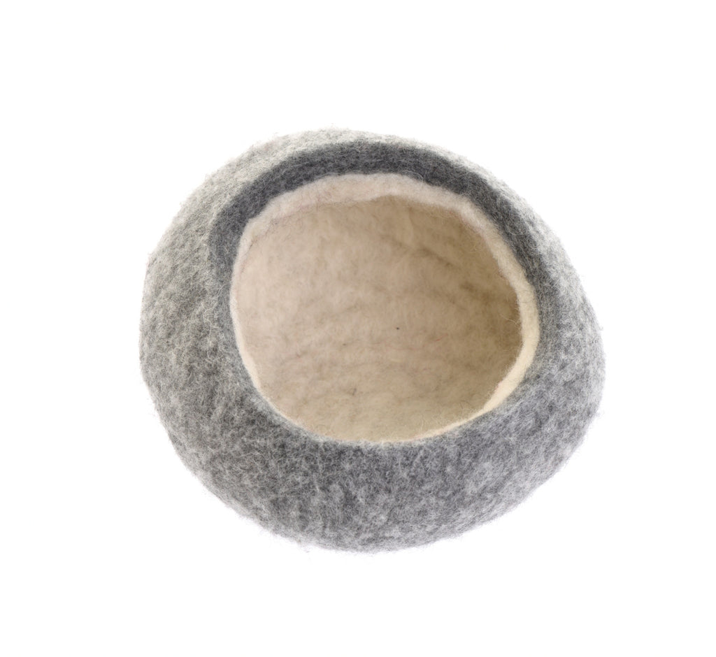 Grey Shetland and fleece bowl