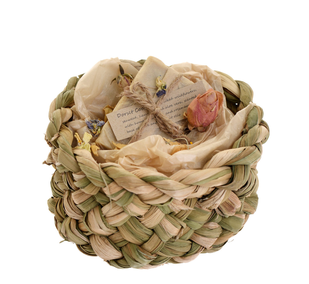 Small bulrush gift basket with one soap