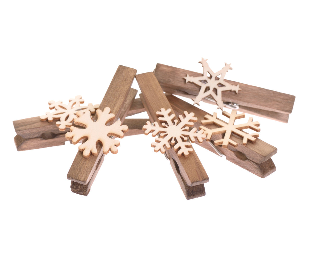 Pack of five wooden snowflake pegs