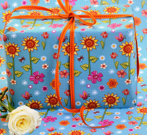 Sunflowers and bees gift wrap