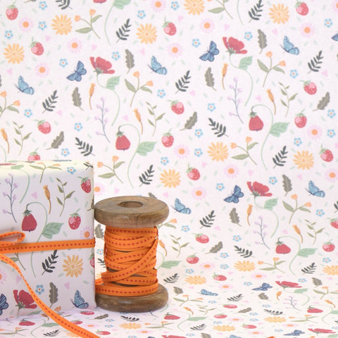 Wild strawberries gift wrap