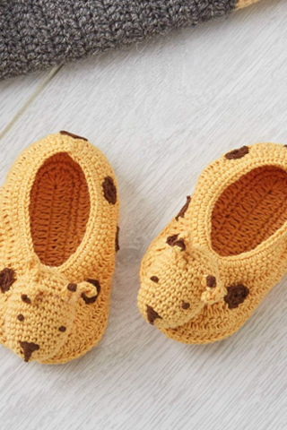Giraffe Crochet Baby Booties - House of Lucky