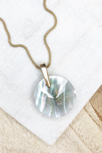 Jolie Long Pendant Gold Gray Illusion