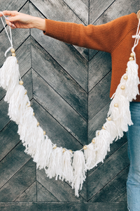 White Yarn Garland