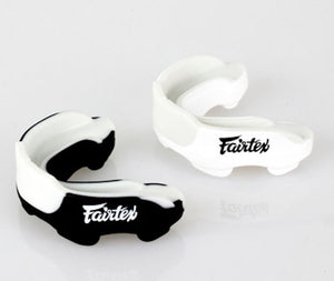 FAIRTEX GEL BOIL& BITE CUSTOM FIT MOUTHGUARD-CASE INCLUDED-MG3-BLACK/WHITE COLOR