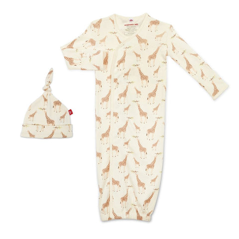 Cream Jolie Giraffe Organic Cotton Magnetic Gown & Hat Set