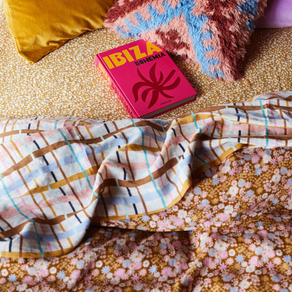 Hayfolk Quilt Cover