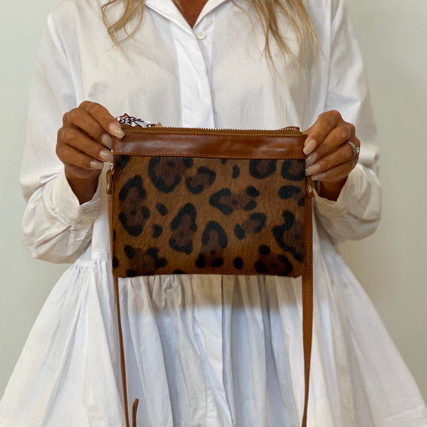 Double Pouch - Tan Leopard