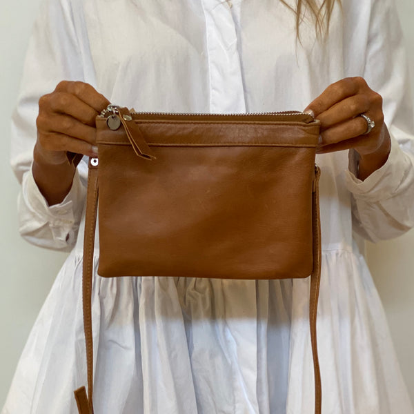 Double Pouch - Tan