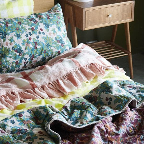 Standard quilt - double sided - midge/betty