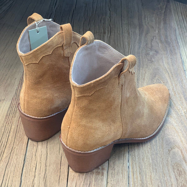 Suede Cowboy Boot - Tan