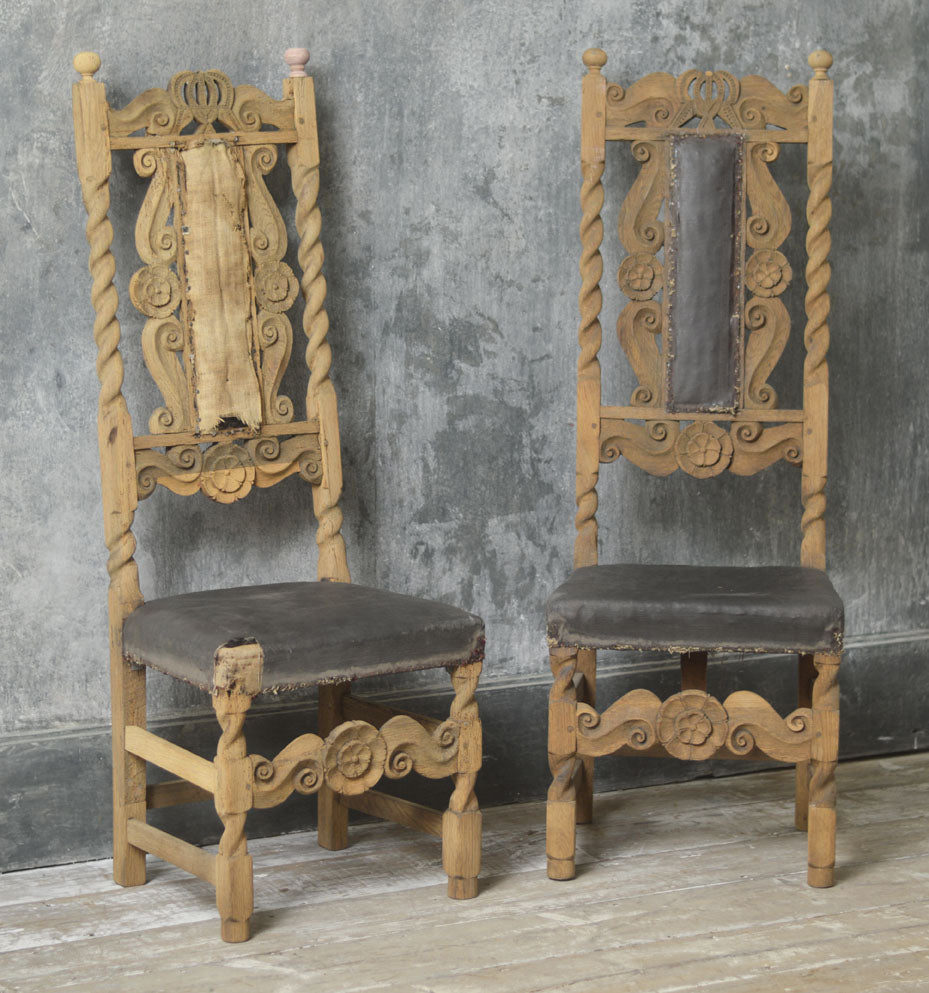 A PAIR OF ENGLISH OAK CHAIRS