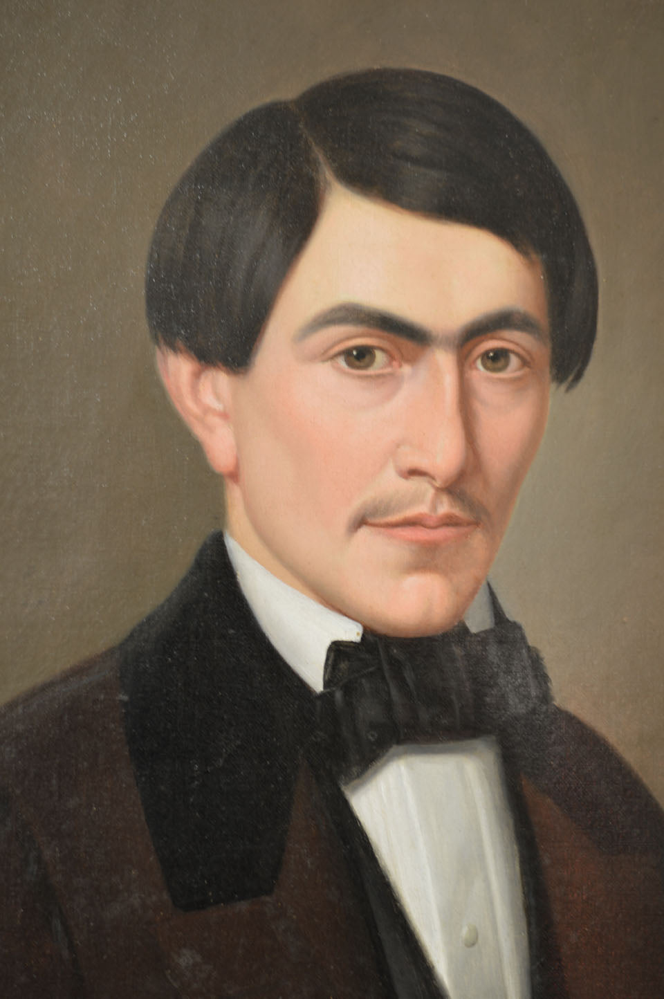 19TH CENTURY OIL ON CANVAS OF FRENCH GENTLEMAN