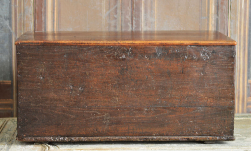 19TH CENTURY ENGLISH OAK TRUNK